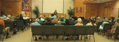 391_Speaking_at_UU_Fairhope
