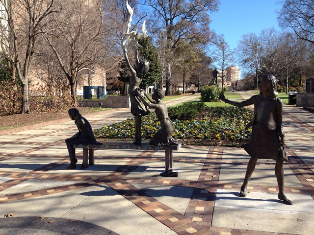 4-little-girls-statue